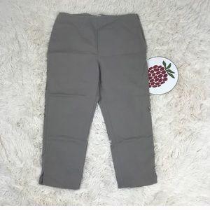 Chico's So Slimming Capri Crop Dress Pant Size 1.5